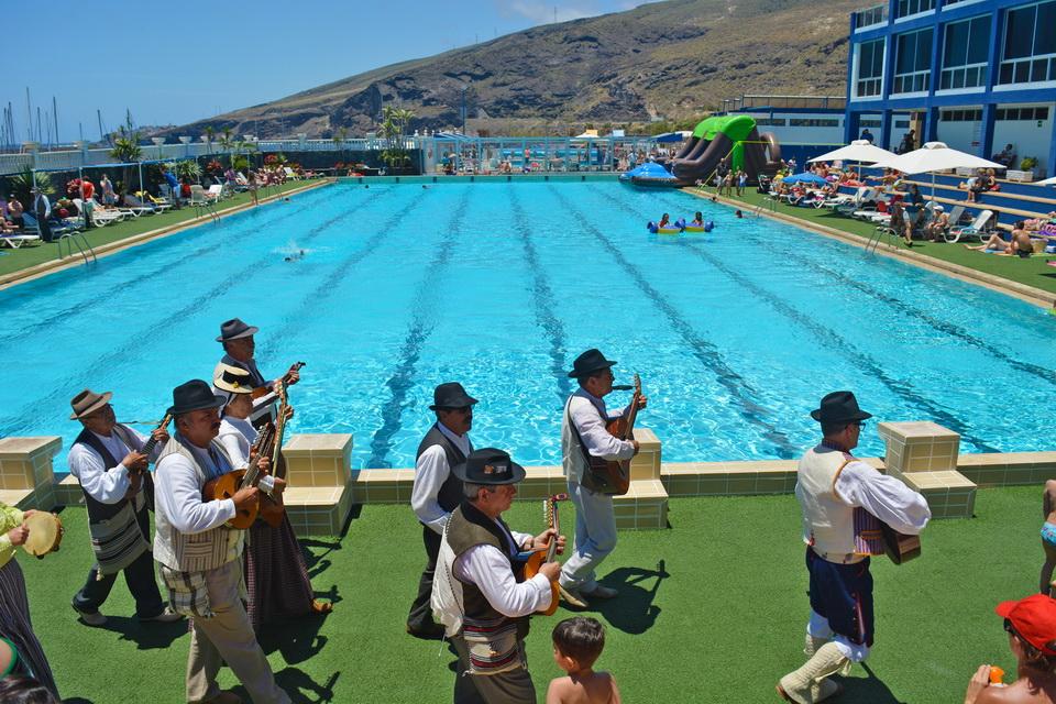 Cr nica de la fiesta del d a de canarias 2016 club for Normativa piscinas canarias