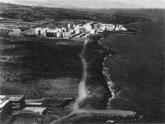 1971-1972. Los escombros formaron el primer espigón del puerto deportivo